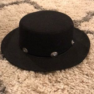 Flat top hat with wide brim